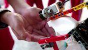 I bambini inventano un robot di Lego per lavarsi le mani