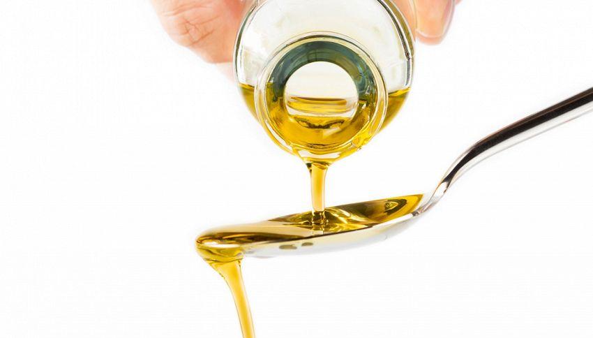 Bere l'olio extravergine di oliva a digiuno fa bene. Il motivo