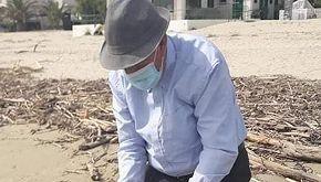 Pasquale, il 'Nonno del Mare' tornato a pulire le spiagge