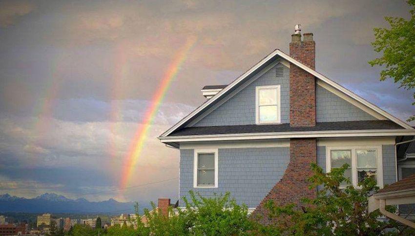 Fotografa tre arcobaleni, ma il fenomeno è molto più raro