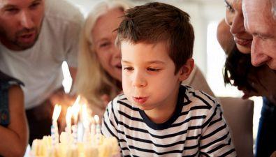 Perché si tirano le orecchie per il compleanno?