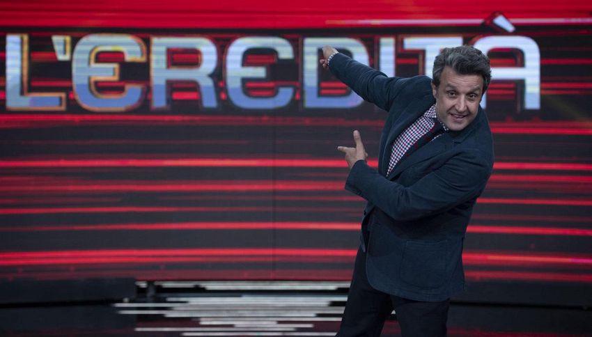'L'Eredità': gaffe clamorosa della concorrente sulla Tour Eiffel