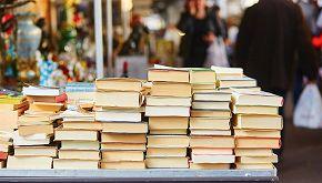 Il panaro della cultura a Napoli: libri in regalo al Vomero