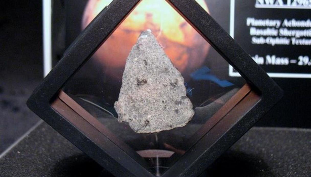 All'asta il più grande meteorite: come avere un frammento lunare