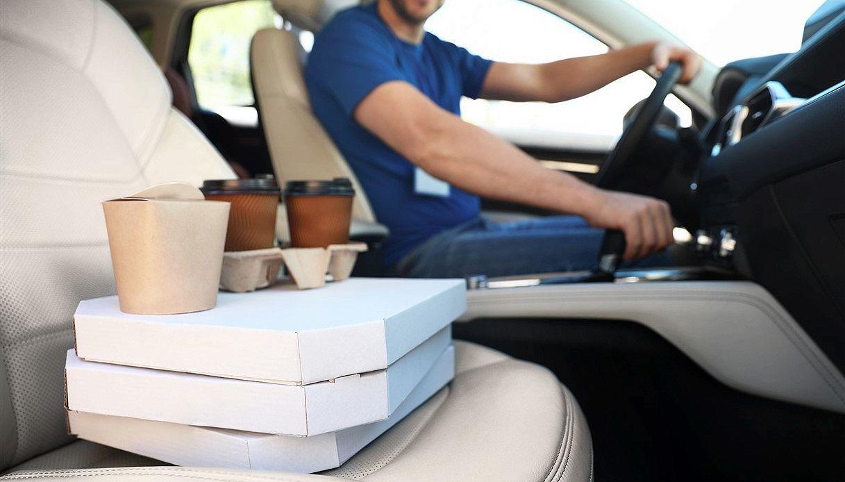 Pizza da asporto, ecco come portarla comodamente in auto