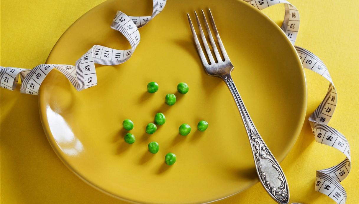 Non riesci a perdere peso? Forse non assumi abbastanza calorie