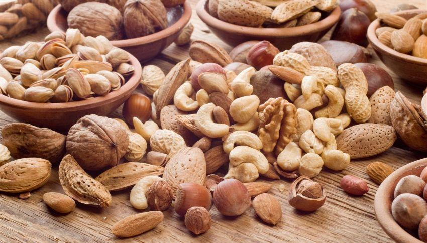 Come conservare la frutta secca per farla durare più a lungo