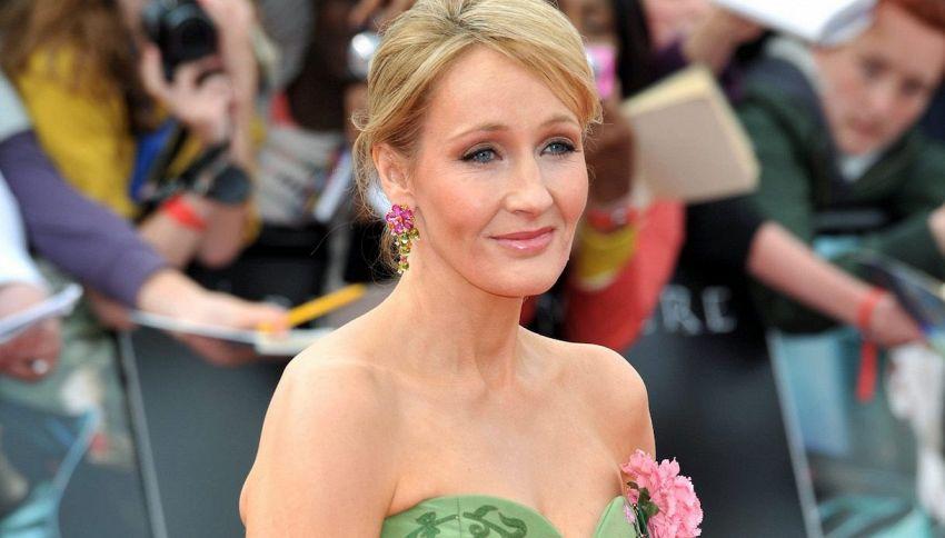#RIPJKRowling, il web di nuovo contro JK Rowling