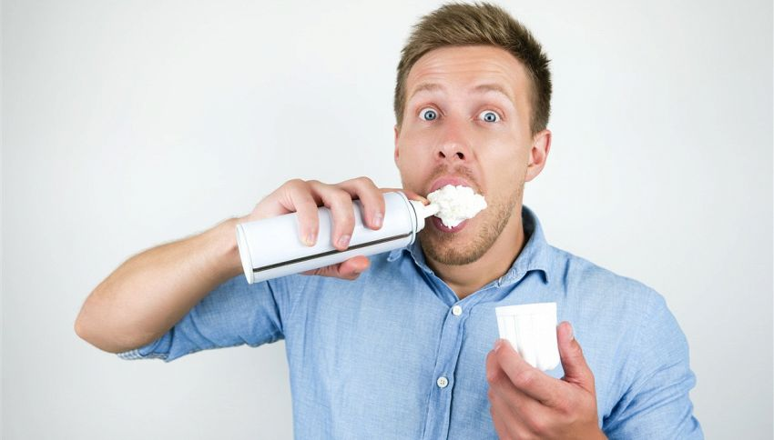 Sai perché la panna montata spray si smonta più rapidamente?