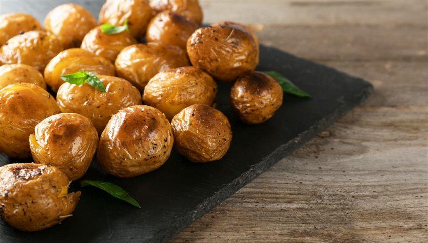 4 motivi per mangiare le patate con la buccia