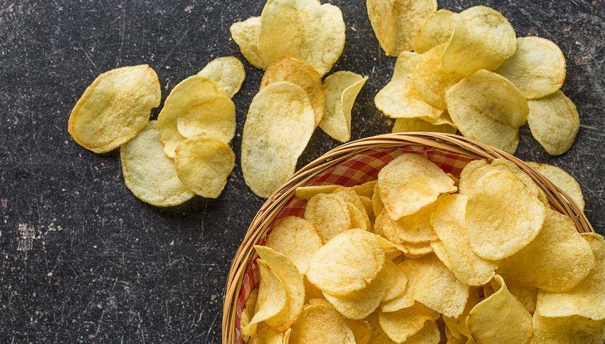 Non riesci a smettere di mangiare le patatine? Non è colpa tua