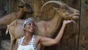 'La Capra Felice': una ventenne sta curando gli animali di Agitu