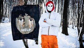 Rotta Balcanica: 4 murales denunciano le violenze sui migranti