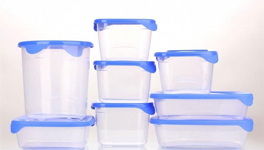 Come togliere il cattivo odore dai contenitori in plastica