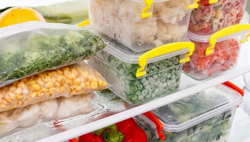 Contenitori in vetro o in plastica? In quali conservare il cibo