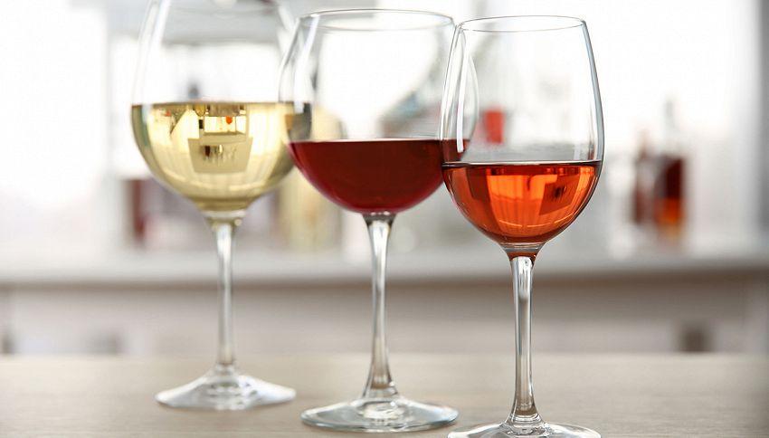 Ti è avanzato del vino? Usalo per pulire