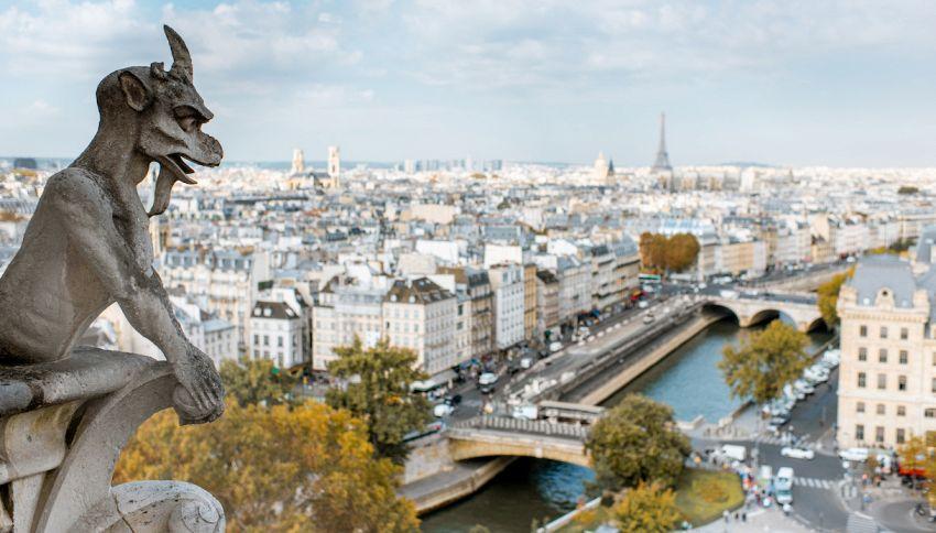 """Notre Dame: per la ricostruzione si danno in adozione i """"mostri"""""""