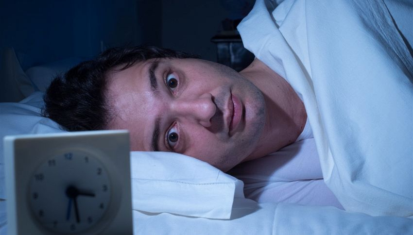 Ti svegli tra le 3 e le 5 notte? Cosa ti sta dicendo il tuo corpo