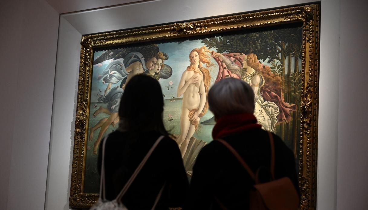 Sorpresa agli Uffizi: spuntano due affreschi durante un restauro