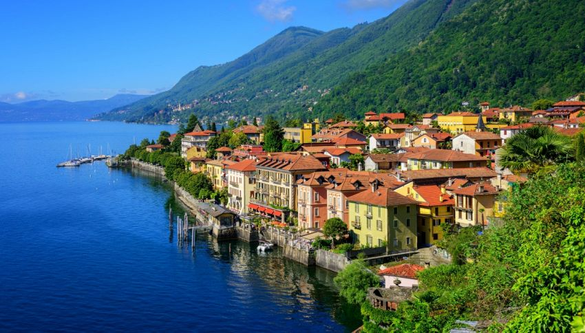 Sul Lago Maggiore in Vespa: l'impresa per i bambini malati