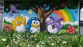 I pinguini di Pao colorano una scuola dell'infanzia a Milano