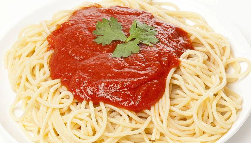 Il trucco per cuocere gli spaghetti che ha sollevato un polverone