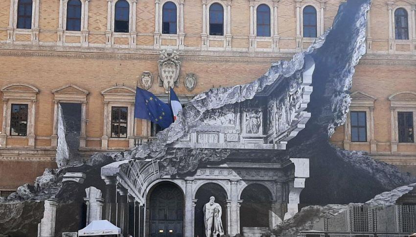 L'illusionismo ottico di JR arriva a Palazzo Farnese
