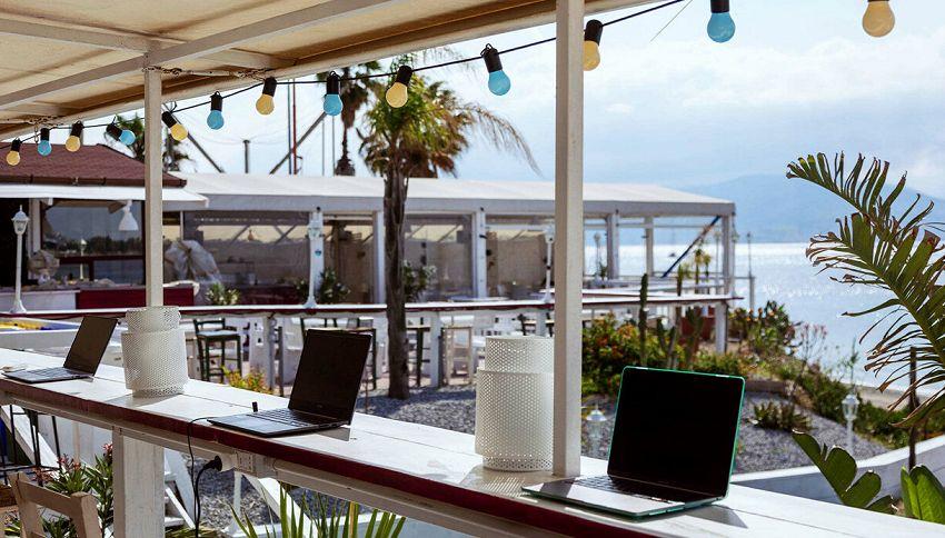 Lavorare in spiaggia: l'app per prenotare il posto