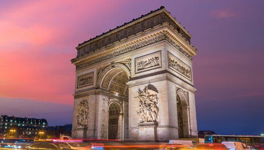 Parigi, perché l'arco di Trionfo viene impacchettato?