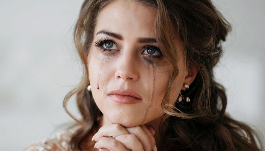 Perché si piange quando si è tristi? La risposta di uno studio