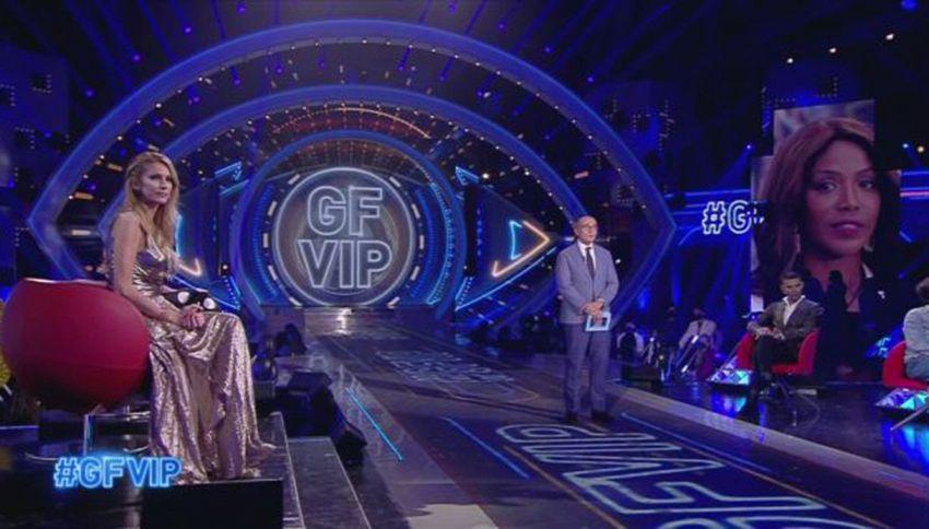 GF Vip, Alfonso Signorini viola il protocollo COVID? Febbre alta