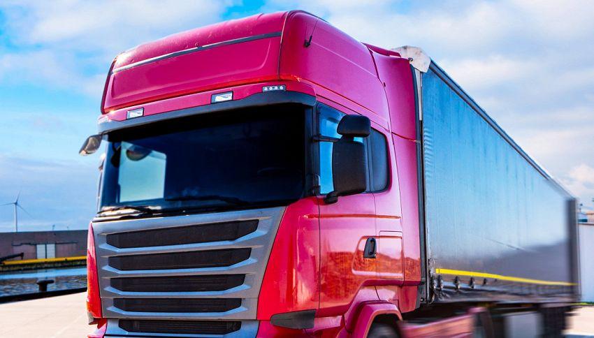 Multa record a un camionista: ha guidato per 20 ore di fila