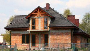 Casa abusiva: cosa puoi fare (legalmente) per evitare che la demoliscano