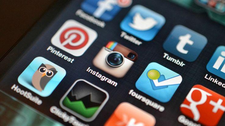 Instagram sfida Snapchat: 100 milioni di utenti  su Stories