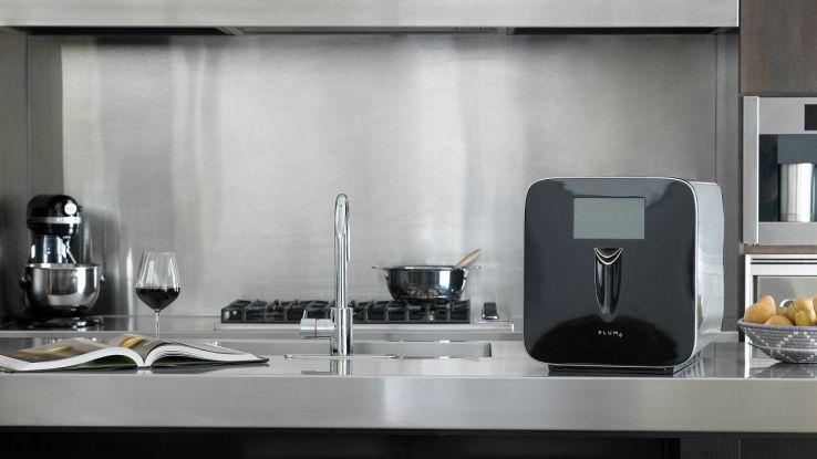 Plum, la cantina 2.0 che raffredda automaticamente il vino
