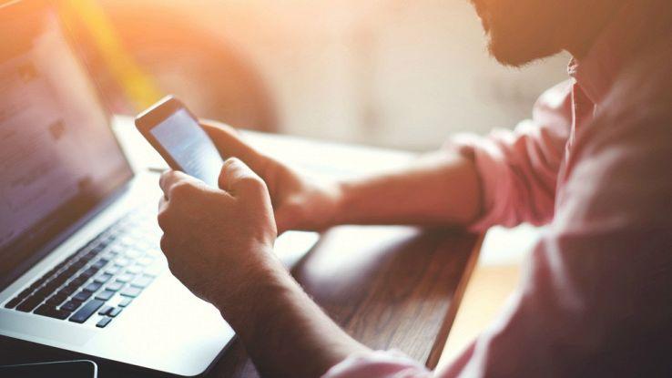 Trucchi per nascondere foto, chat e app dello smartphone Android