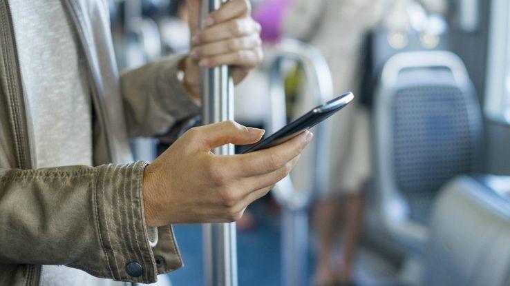 Le app per pendolari per combattere la noia da treno o autobus