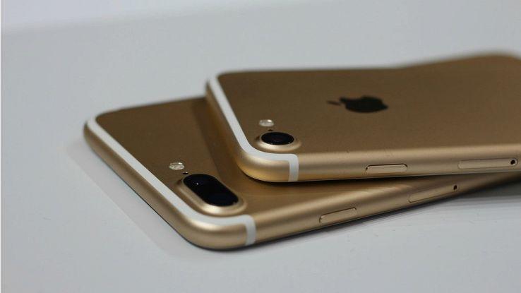 Test durata batteria iPhone 7, delude il confronto con i big
