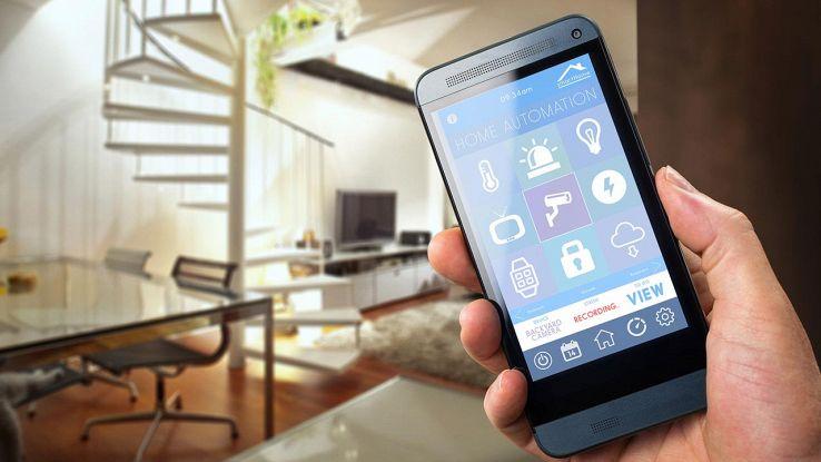 Casa intelligente controllata da smartphone