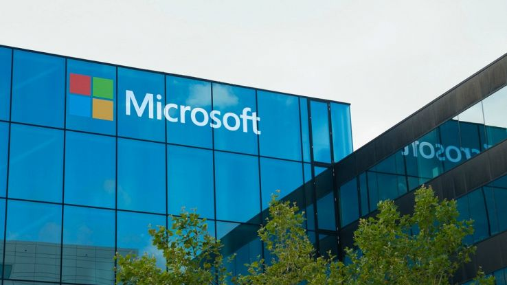 Microsoft apre all'open source ed entra nella Linux Foundation