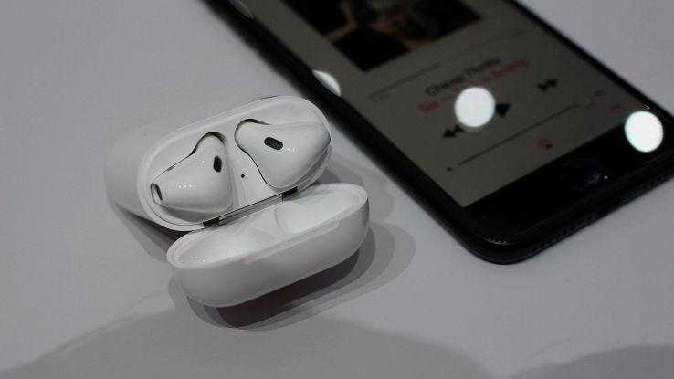 Dopo gli AirPods, Apple è al lavoro alle cuffie con sensore biometrico