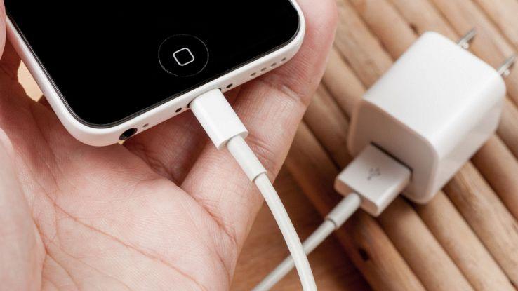 Attenzione ai cavetti Apple compatibili: sono pericolosi per l'uomo
