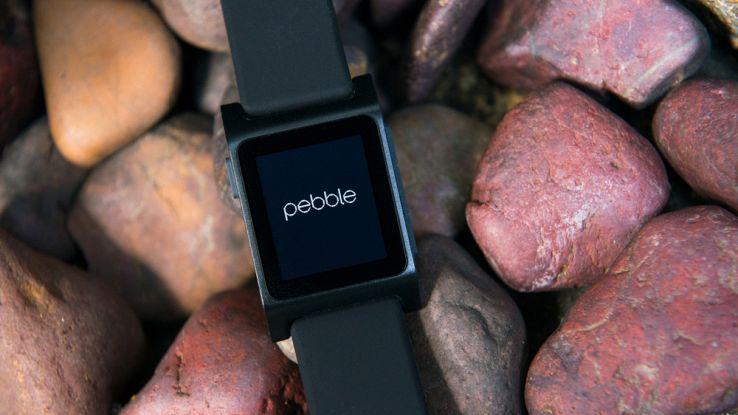 Fitbit compra Pebble, l'azienda di smartwatch era in forte crisi