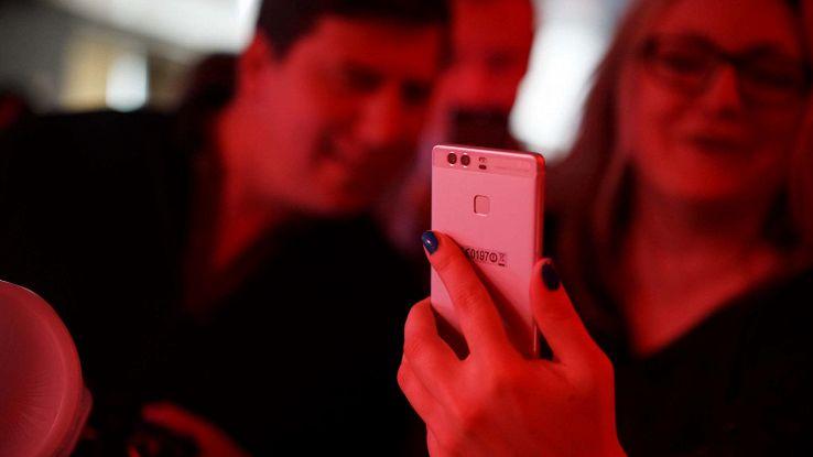 Huawei P10, le prime immagini mostrano lo schermo curvo