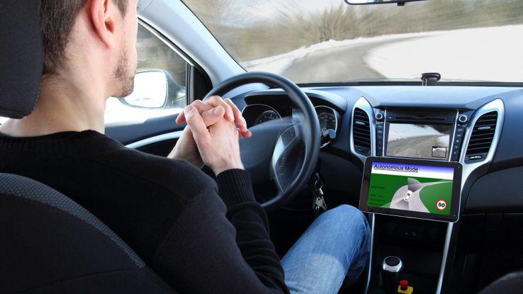 Tesla-guida-autonoma