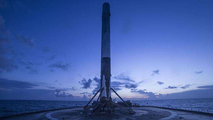 SpaceX, il razzo riciclabile Falcon 9 pronto al lancio
