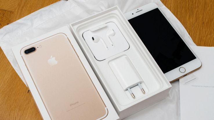 Gli Apple AirPods conquistano il mercato delle cuffie wireless