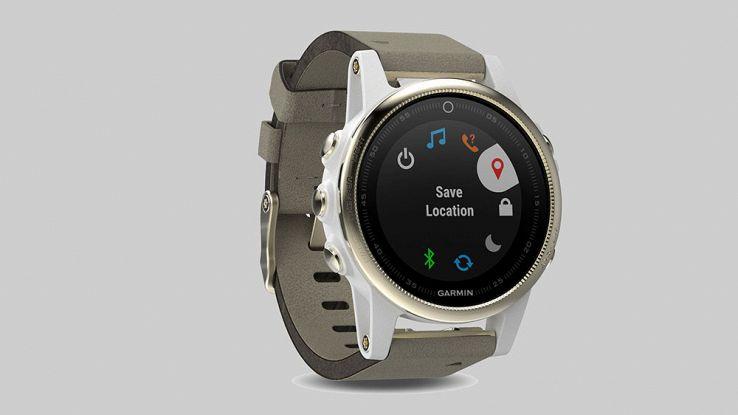 Sportwatch per lui e per lei, ecco la nuova linea Fenix 5 di Garmin