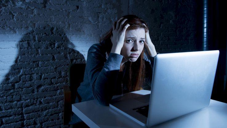 Cosa fare con un figlio cyberbullo. I consigli dell'esperta