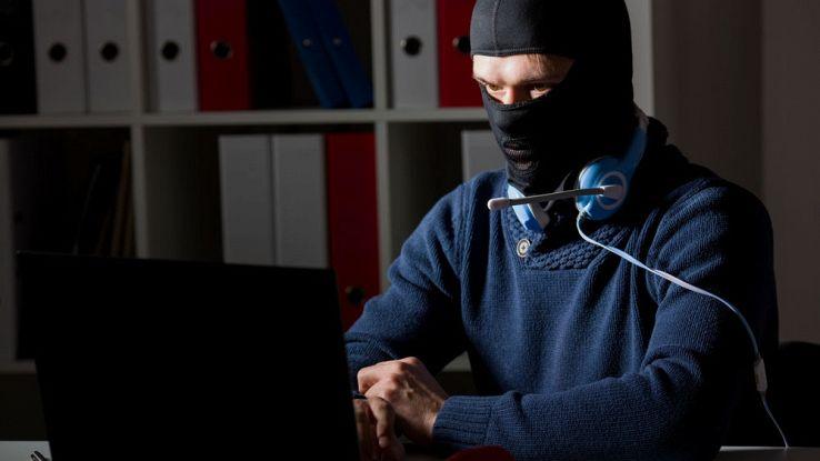 Attenzione al microfono, hacker possono rubare le vostre conversazioni